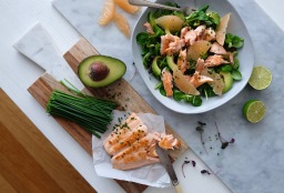 Grapefruit, Avocado and Pan Fried Salmon Salad