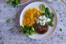 by Sainsbury's Indian Cauli Burgers with Turmeric Rice & Refreshing Cucumber Raita