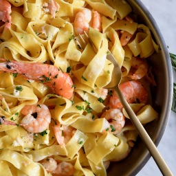 Creamy Pappardelle with Smoked Salmon&Prawns
