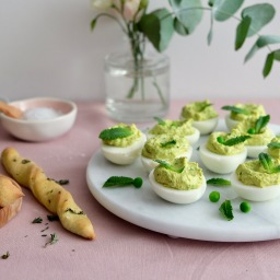 Vitamix – Spring Pea Devilled Eggs & Twisted Herb Breadsticks