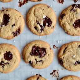 Salted Tahini & Chocolate Chunks Cookies